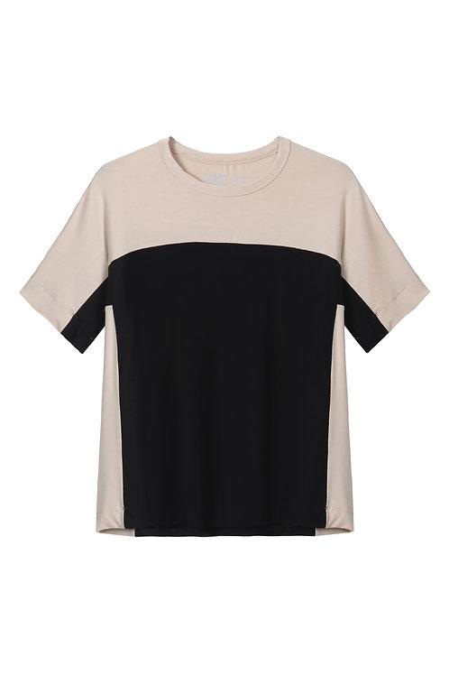 חולצה מחולקת