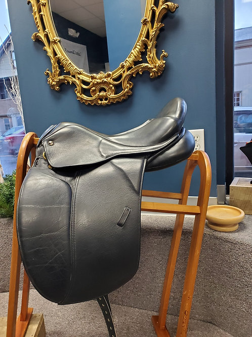 "17.5"" Marcel Toulouse dressage saddle"