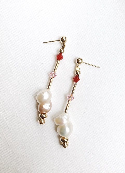 Rośe Pearl Drop Earrings