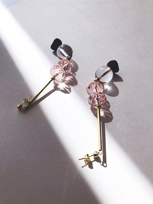 ir. Pink Glass Beads Quartz Earrings