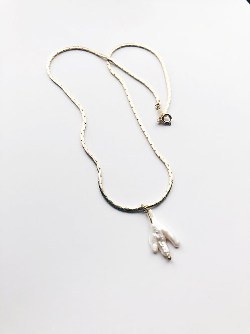 Freshwater Pearls Pendant Herringbone Chain Necklace