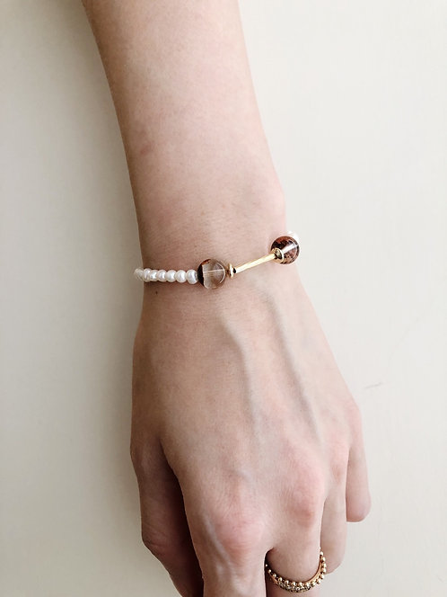 Red phantom pearl bracelet