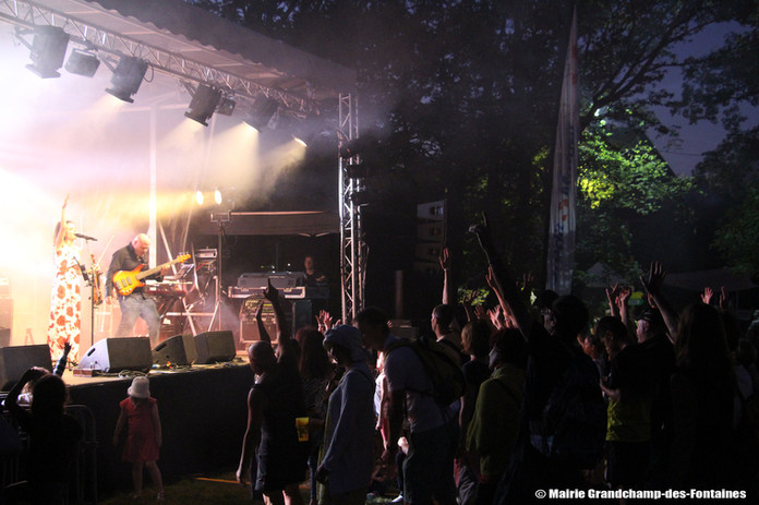 Calipsa au festival Le Grandchamp'Bardement.jpg