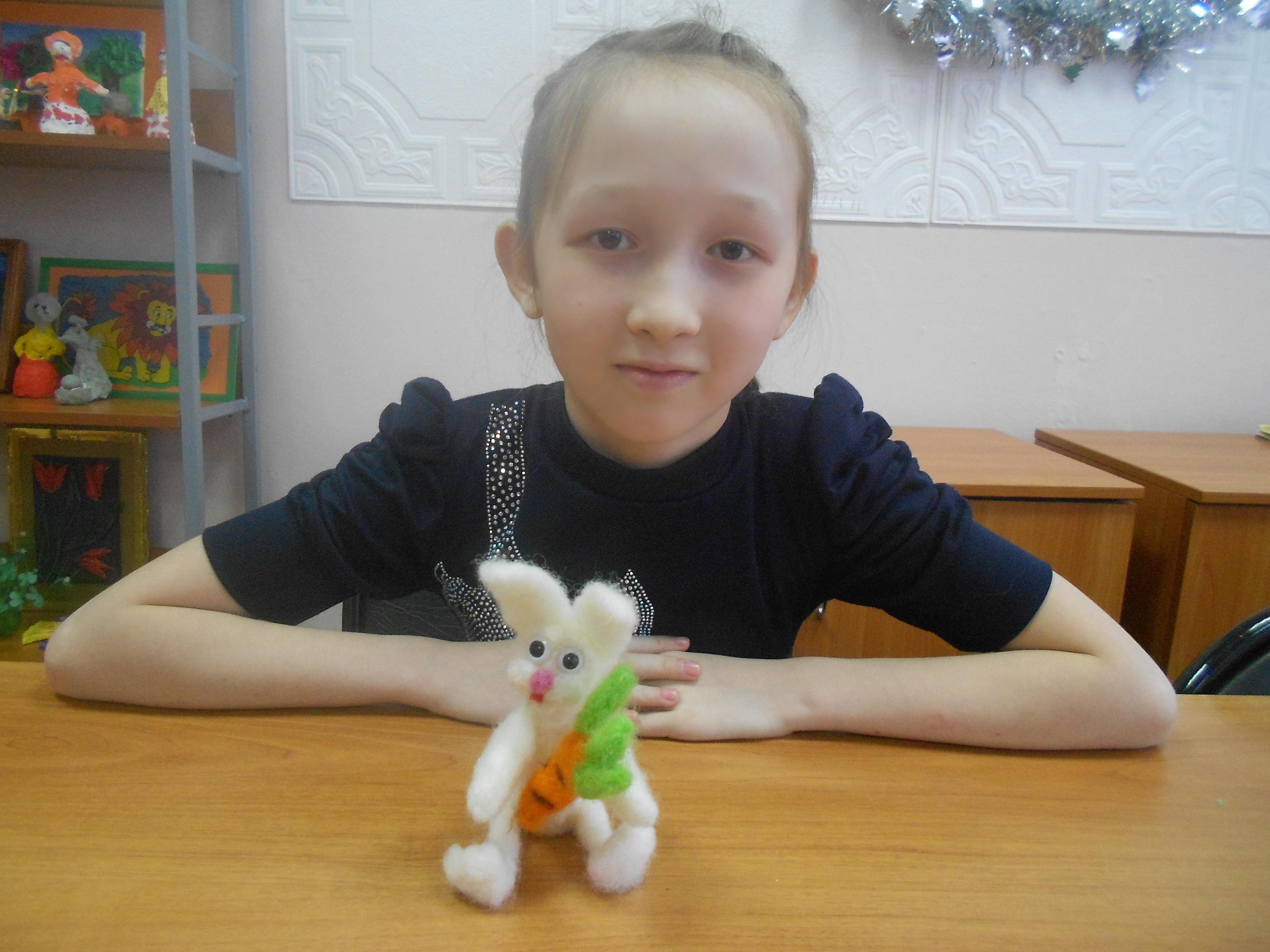 Мугалимова Самира и ее работа из шерсти в технике сухого валяния