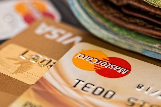 クレジットカードを大量に作るのには注意が必要