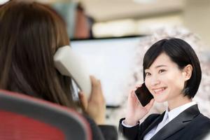 クレジットカード現金化のクレジットチェンジは女性は利用しやすい?スタッフの方の男女比