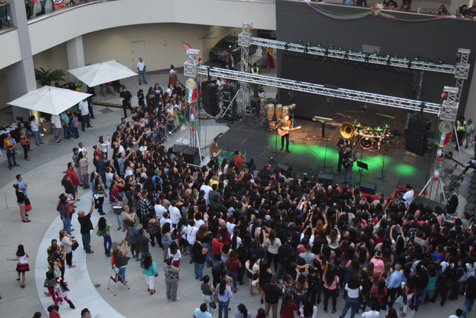 Fiestas Patrias at The Source