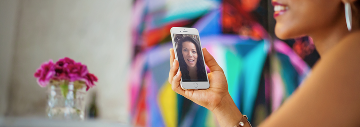 iphone-6-mockup-template-of-a-young-lady