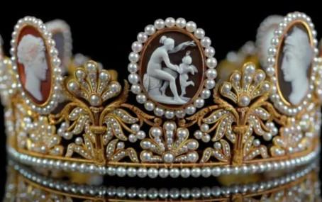 スウェーデン王室のカメオ・パリュールとその歴史