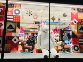 PLV en vitrine de magasin : Comment capter l'attention ?