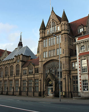 1200px-The_Manchester_Museum.jpg