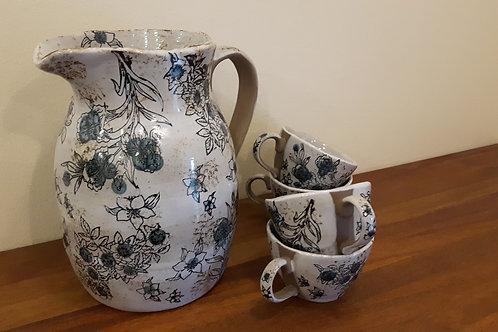 Kopper med blå blomster