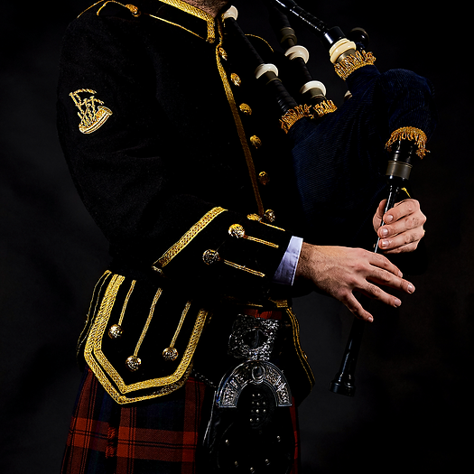 Bagpiping 004 Instagram.png