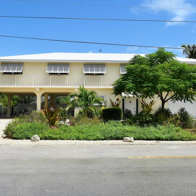 313 Calzada De Bougainville