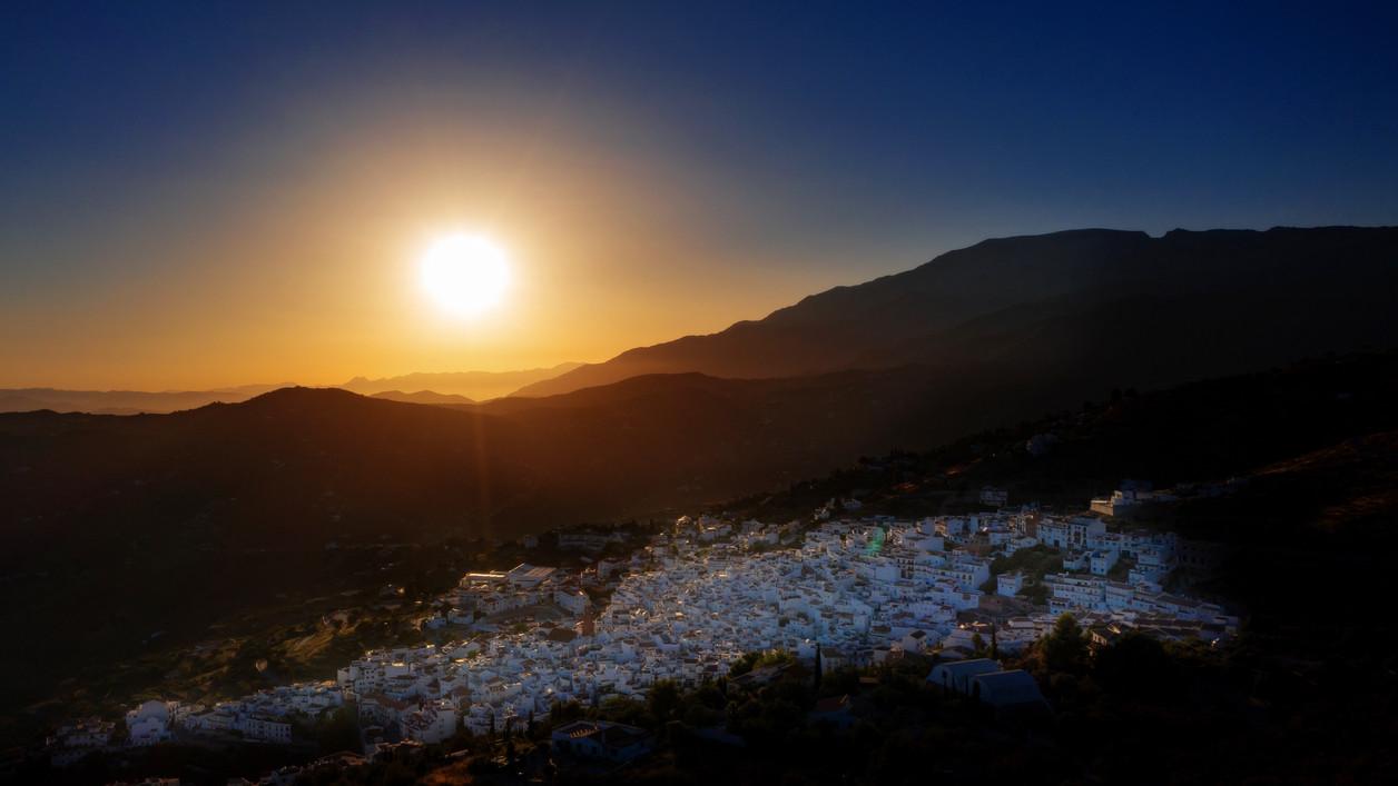 weißes Dorf in Andalusien - Sonnenuntergang
