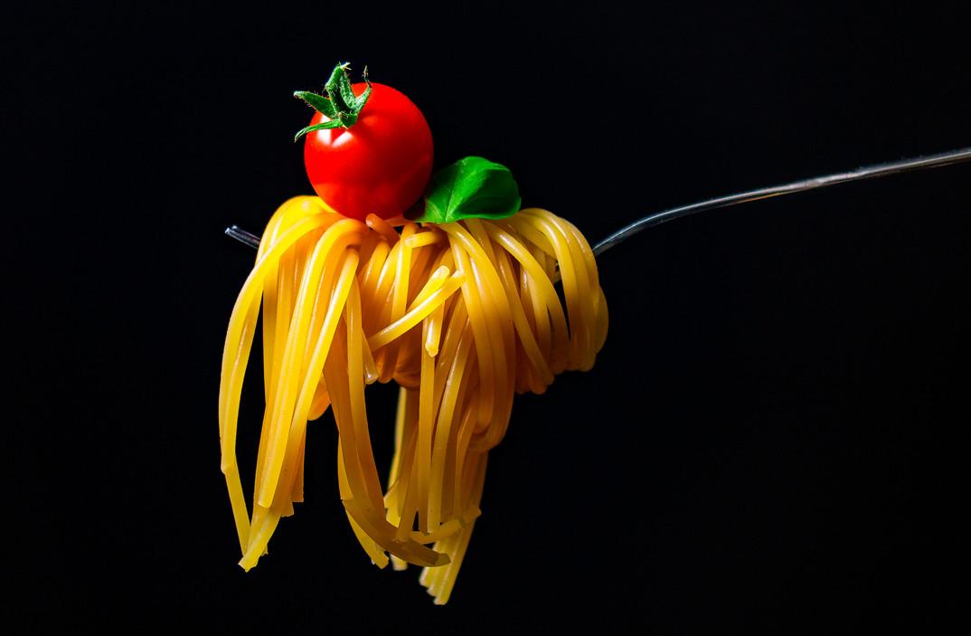 Foodfotografie-Spaghetti-auf-der-Gabel.j