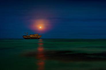 Gestrandet im Mondschein