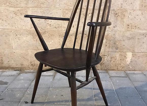 """כסאות """"ארקול"""" עם משענות יד"""
