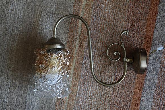 מנורת קיר בסיס מעוקל