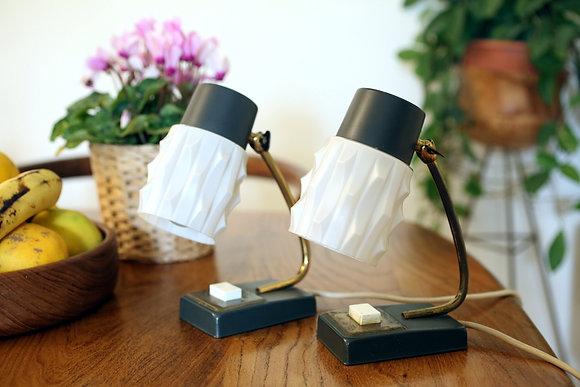 זוג מנורות שולחן שחורות אהיל גלים