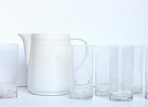 קנקן ושש כוסות