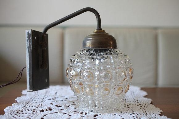 מנורת קיר בסיס קלאסי אהיל זכוכית