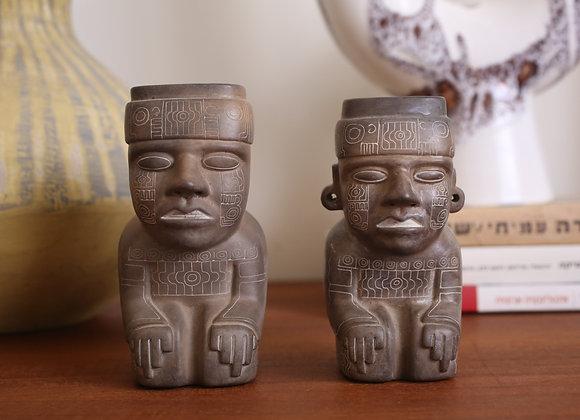 שני פסלונים מבוליביה, גבר ואישה