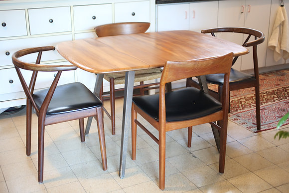 שולחן אוכל ארקול יפהפה, ללא כסאות