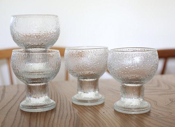 ארבעה גביעי זכוכית יפים