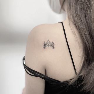crwon tattoo