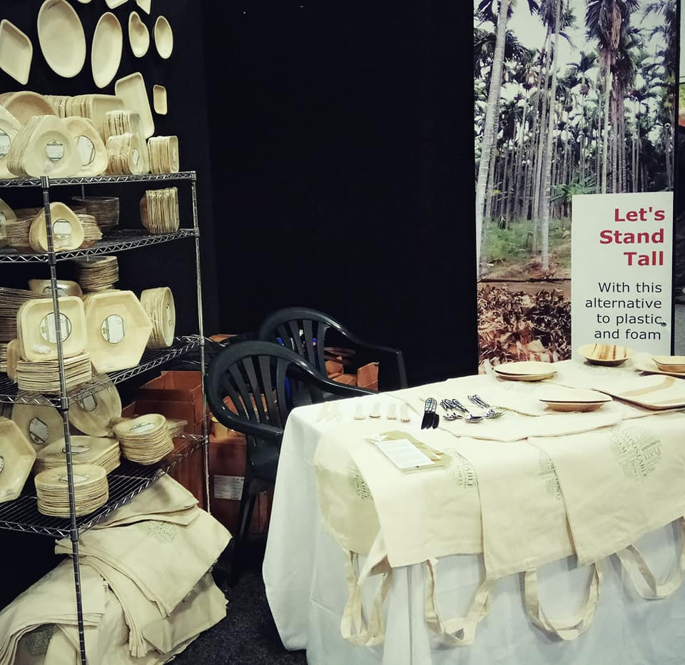 Palm leaf plates at Green Living Show 2018
