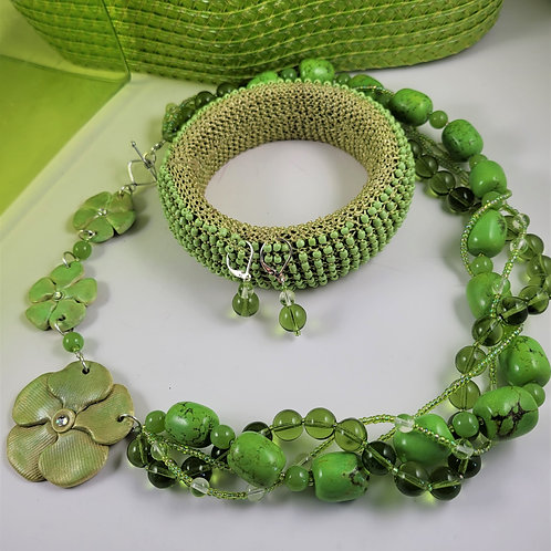 Candy Apple Green Twisted Necklace