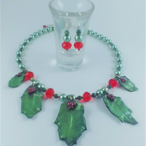 Five Holly Leaves Necklace