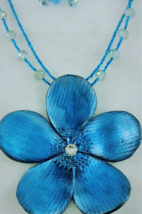 Shades of Blue Flower Necklace