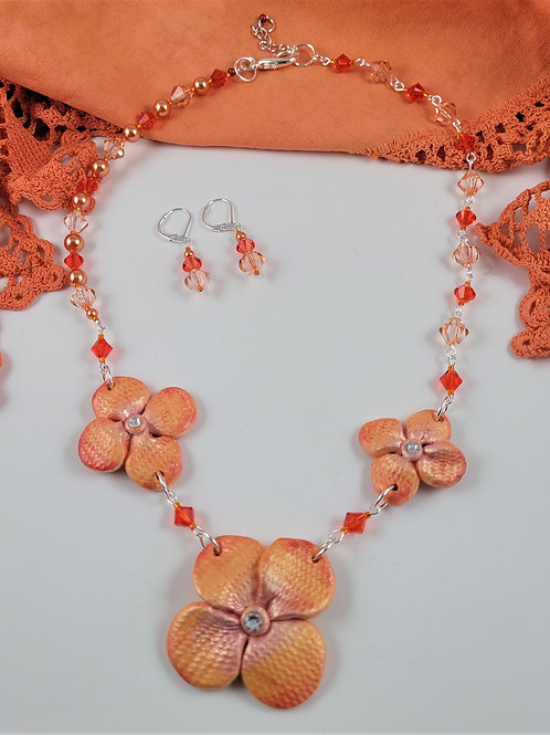 Peachy-Orange Wired Necklace