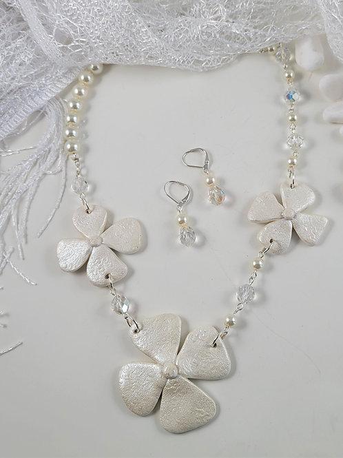 Hand Wired White Flower Necklace