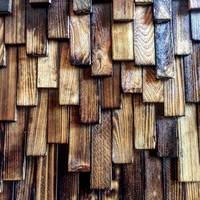 bois carbonisé faible