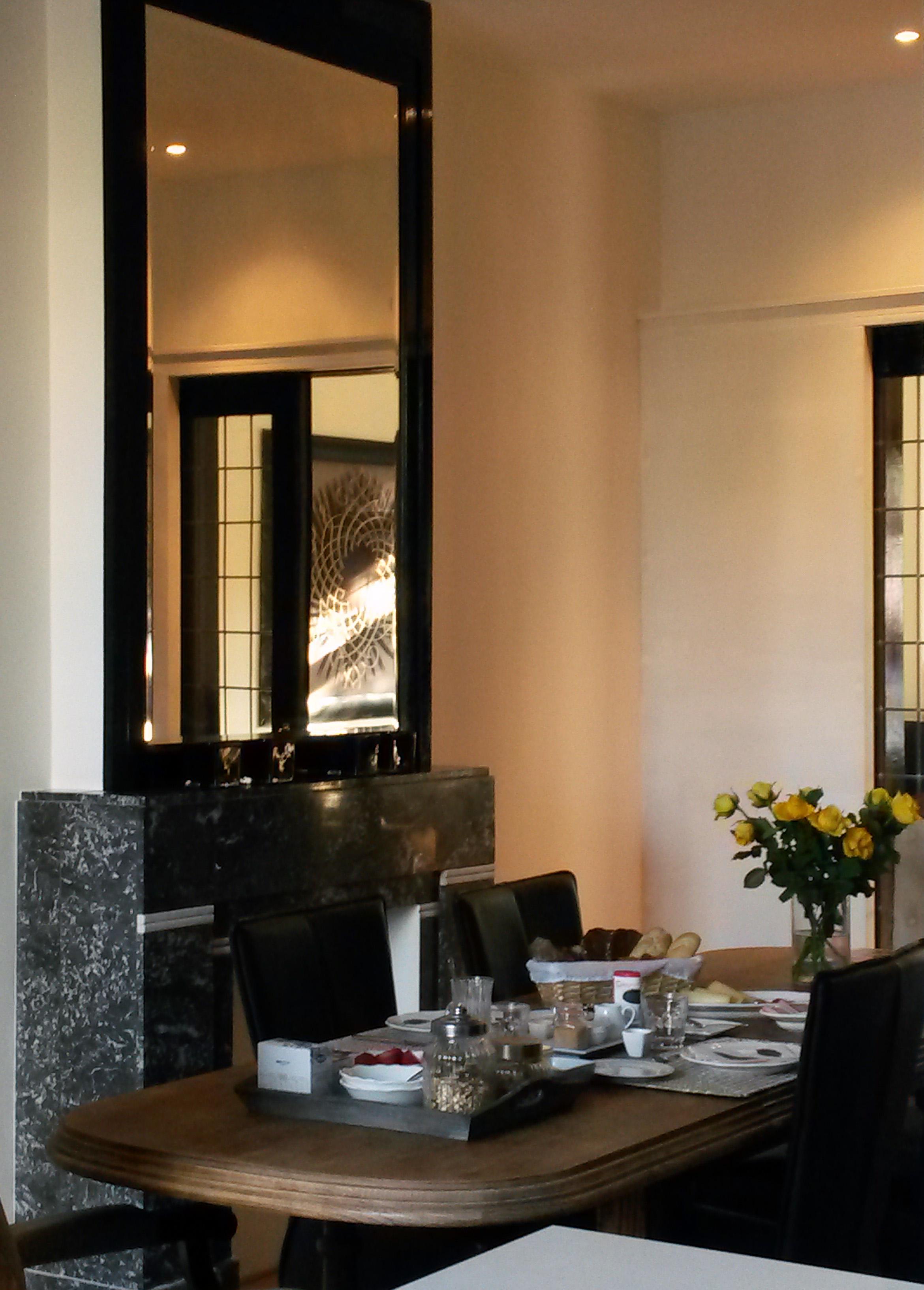 Wycker B&B diningroom