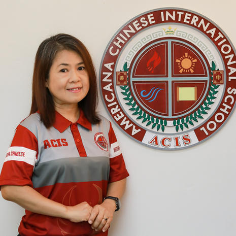 Ms.Thanida Tiankhunnatham