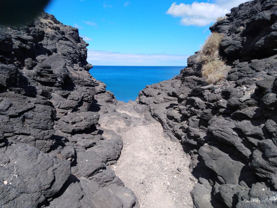 Basalt und Meer.jpg