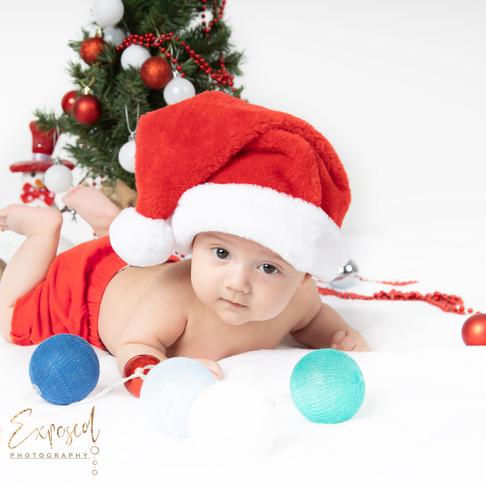 Newborn photography by Lana Yuzwenko