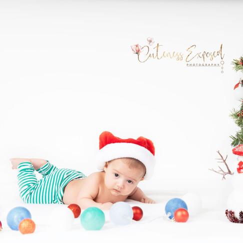 Newborn photography by Lana Yuzwenko, Cuteness Exposed