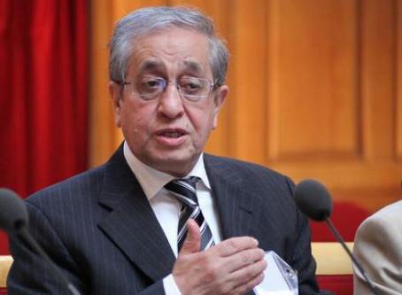 حسن شریعتمداری برای حمایت از معترضان خواستار تصویب قطعنامه شورای امنیت علیه ایران ذیل فصل ۷ شد