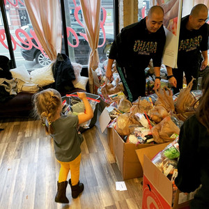 D807AAA1-Thanksgiving Chicago Give Back -4D29-B0EC-53F00C304A7F.jpg
