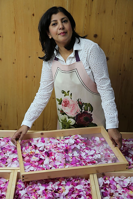 Organic English rose petals for Raspberry & Rose Petal Preserve