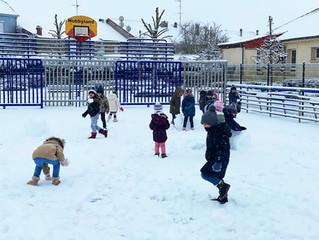 La neige a fait le bonheur des maternelles