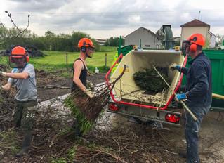 Mise en oeuvre du broyeur à la décharge des déchets verts
