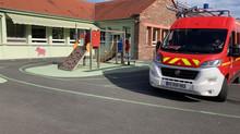 Les pompiers interviennent à l'école pour un nid de guêpes