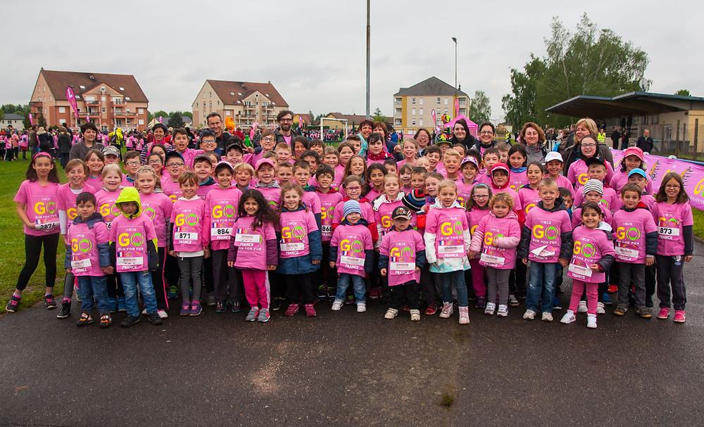 Les élèves des écoles de Saint-Jean-Rohrbach au complet