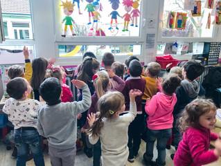 Saint-Nicolas fait la tournée des écoles